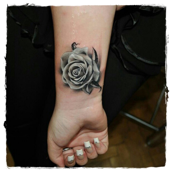 21-Rose-Tattoo