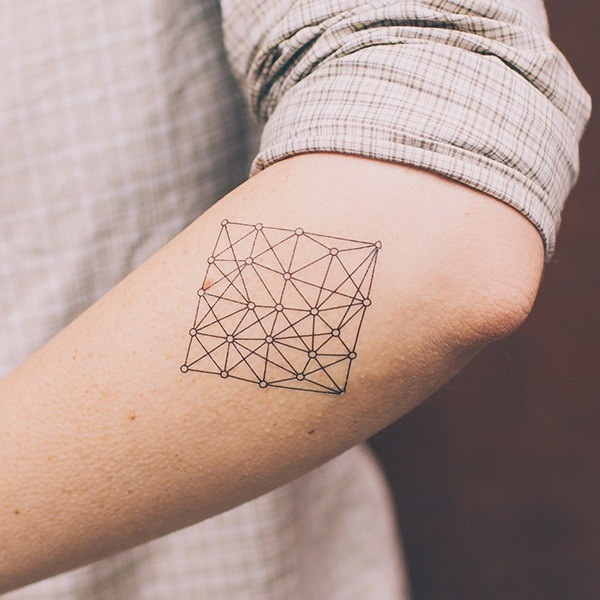 Extremely Cute Minimalistic Tattoo Designs (13)
