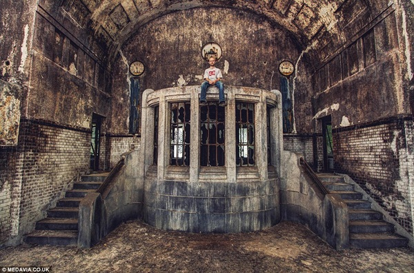 Phenomenal Pictures of ABANDONED Places (20)