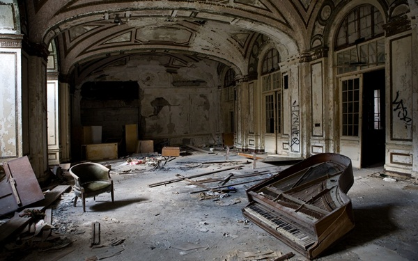 Phenomenal Pictures of ABANDONED Places (3)