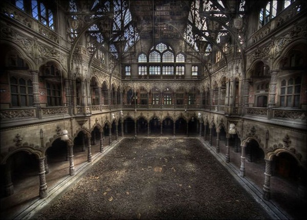 Phenomenal Pictures of ABANDONED Places (9)