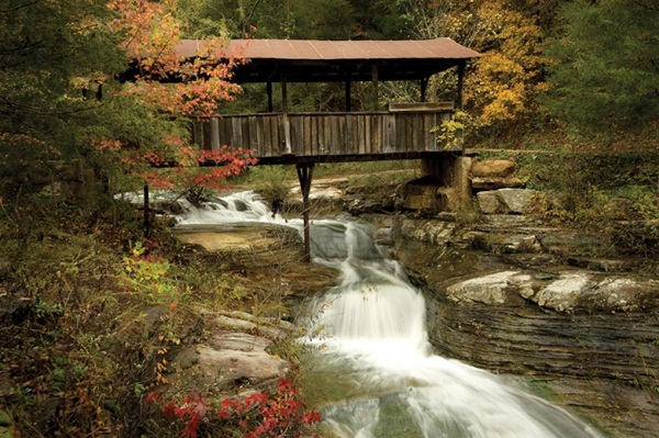 Spectacular Pictures Of Covered Bridges (14)