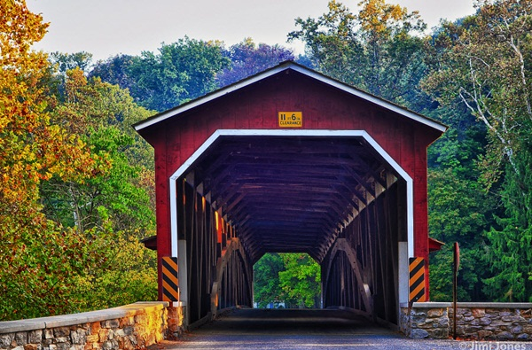 Spectacular Pictures Of Covered Bridges (19)
