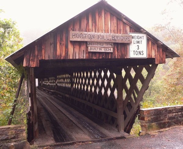 Spectacular Pictures Of Covered Bridges (22)