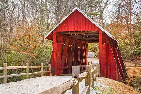 Spectacular Pictures Of Covered Bridges (23)
