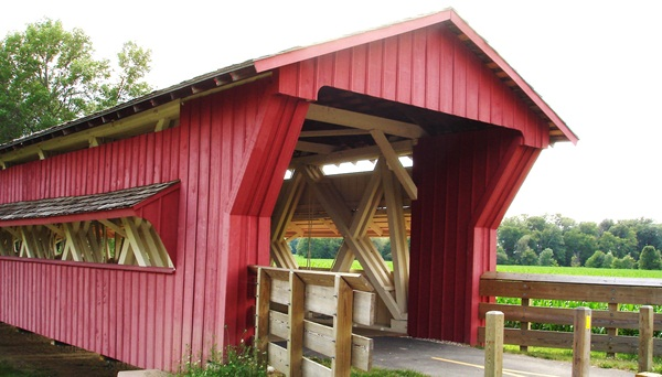 Spectacular Pictures Of Covered Bridges (27)