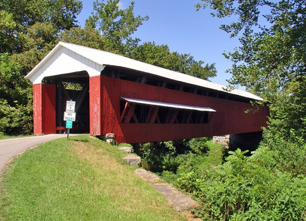 Spectacular Pictures Of Covered Bridges (30)