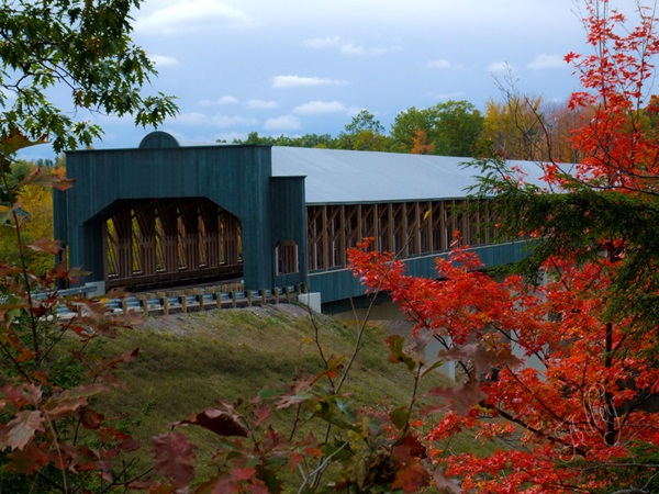 Spectacular Pictures Of Covered Bridges (33)