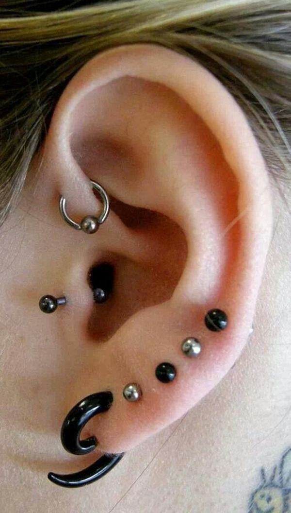 Adventurous Pictures of Ear Piercing (6)