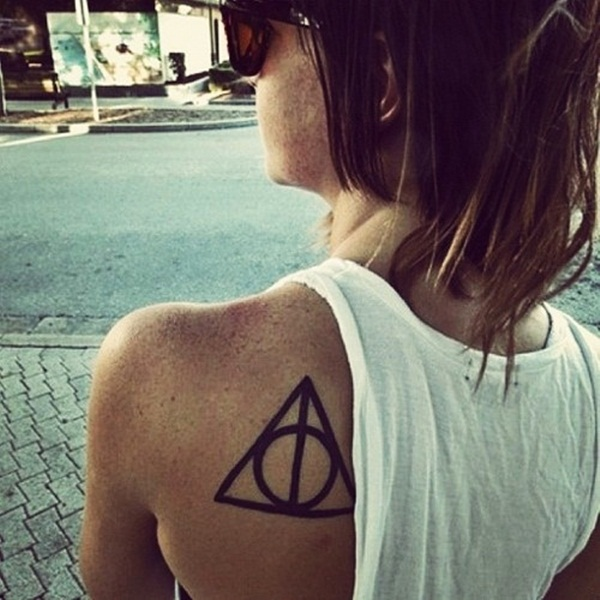 Simple and stunning Triangle Tattoo designs (66)