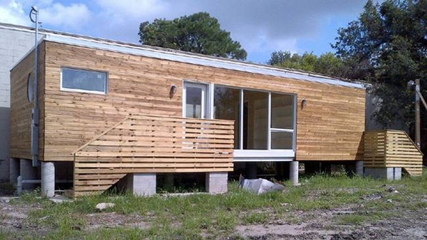 Impossibly Amazing Shipping Container Home Ideas (22)