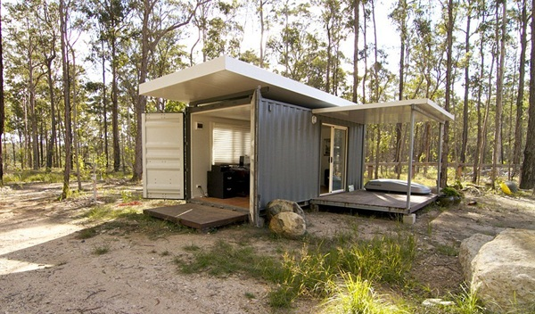 Impossibly Amazing Shipping Container Home Ideas (6)