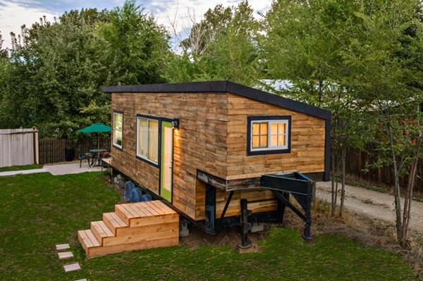 Impossibly Amazing Shipping Container Home Ideas (8)