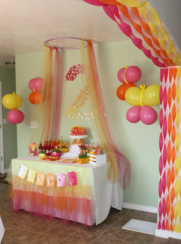 Beautiful Ways to Decorate with Streamers For Special Occasions (11)