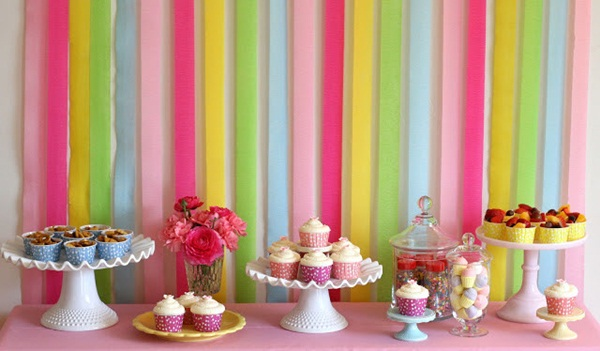 Beautiful Ways to Decorate with Streamers For Special Occasions (13)
