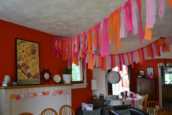 Beautiful Ways to Decorate with Streamers For Special Occasions (15)