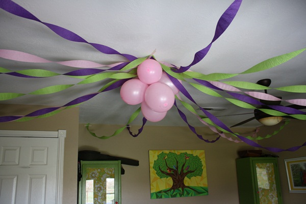 Beautiful Ways to Decorate with Streamers For Special Occasions (19)