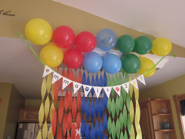 Beautiful Ways to Decorate with Streamers For Special Occasions (26)