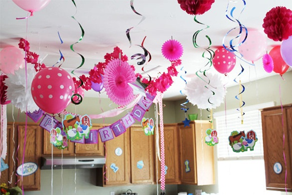 Beautiful Ways to Decorate with Streamers For Special Occasions (35)