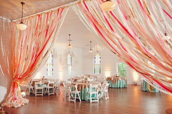 Beautiful Ways to Decorate with Streamers For Special Occasions (36)