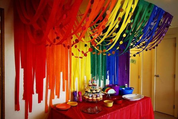 Beautiful Ways to Decorate with Streamers For Special Occasions (4)