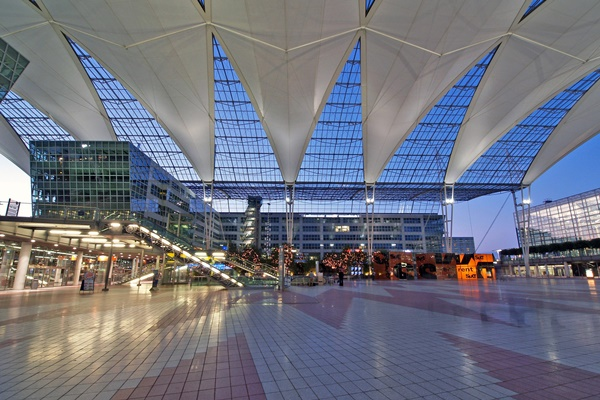 10 Best Airports in the World 3